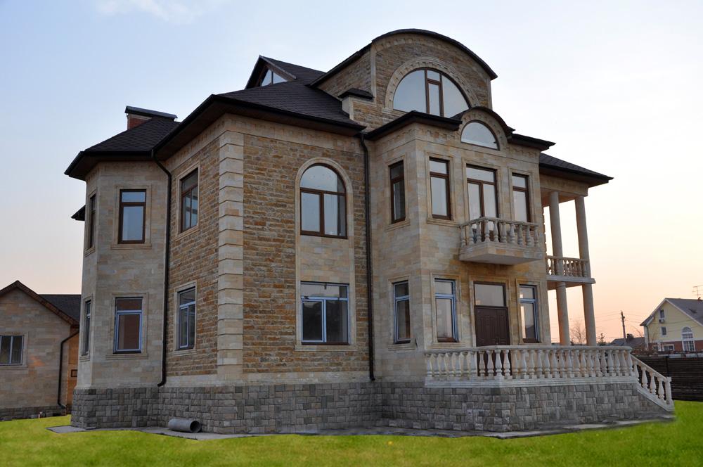 Облицовка дома камнем в Москве